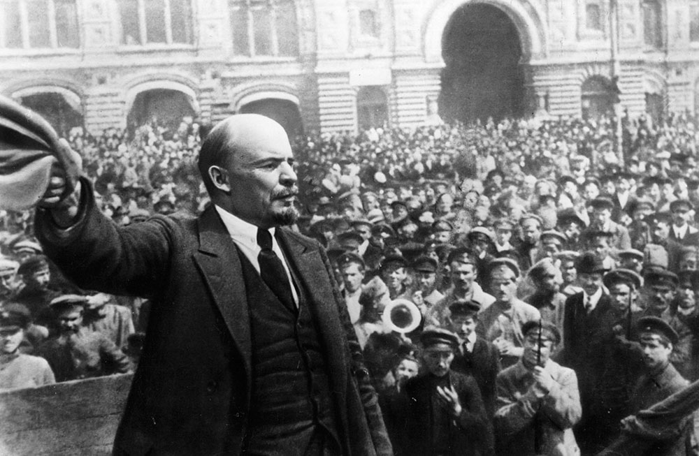 Lenin speaks to soldiers and others