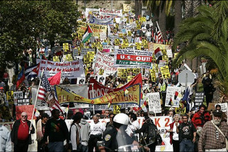 PSL members helped lead marches of tens of thousands against the occupations of Iraq and Palestine. Above, San Francisco in Oct. 2007