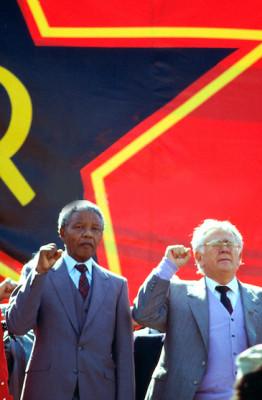 Left to right: Winnie Mandela, Nelson Mandela and Joe Slovo