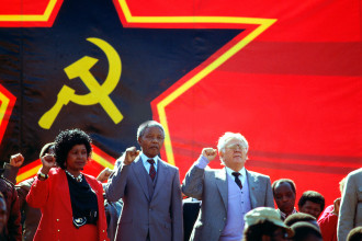 Left to right: Winnie Mandela, Nelson Mandela and Joe Slovo