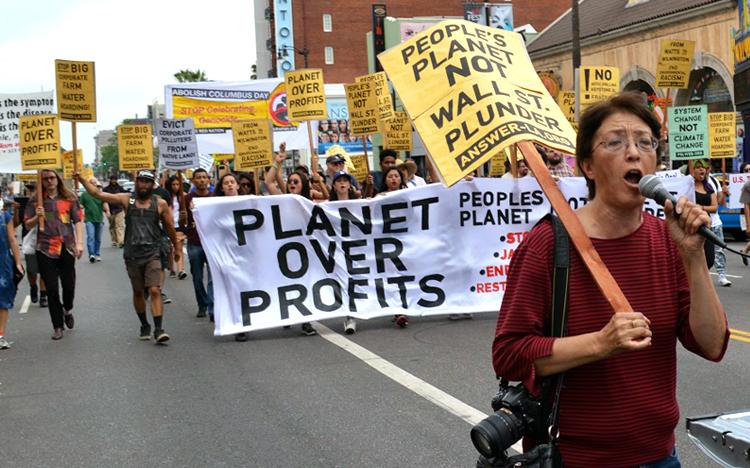 gloria-la-riva-at-environmental-justice-march