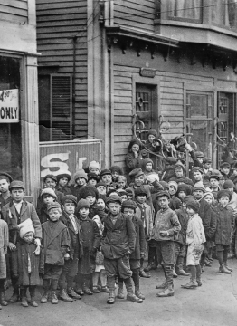 During the Bread and Roses strike, soup kitchens fed the workers' children.