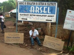 Delor Magellan Kamseu Kamgaing, president of the Cameroon Consumers League, began a hunger strike on April 21, 2014 to protest a 40 percent increase in the cost of electricity supplies by AES.