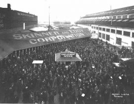 Shipyard workers leaving on strike, Skinner and Eddy Corp., Seattle, 1919. Photo: Asahel Curtis (public domain).